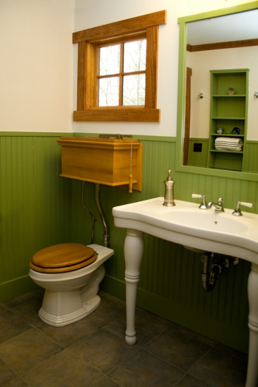 Mueller-2007-Bath-wood-toilet