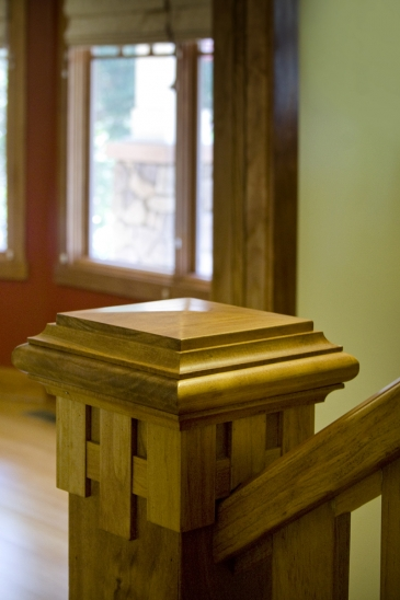 Mueller2007 Details newel post